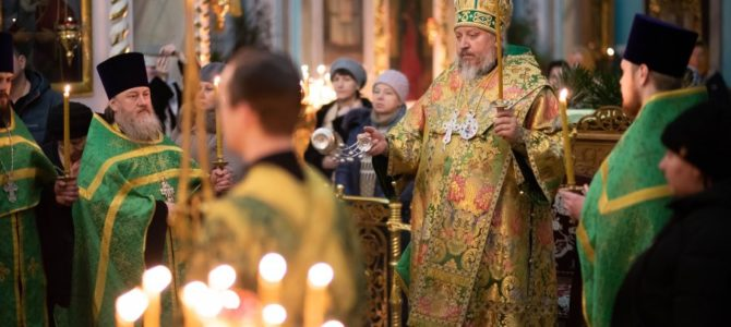 Всенощное бдение в канун дня памяти преподобного Серафима Саровского